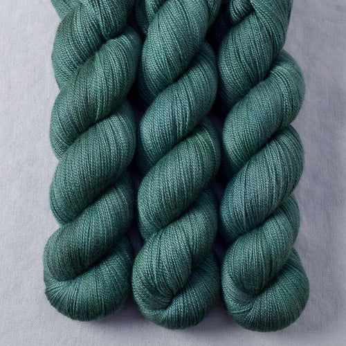 Dunk - Miss Babs Dulcinea yarn