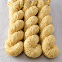 Dutch Iris 10 - Miss Babs Yummy 2-Ply yarn