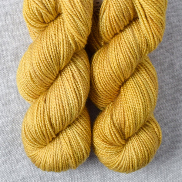 Dutch Iris 9 - Miss Babs 2-Ply Toes yarn