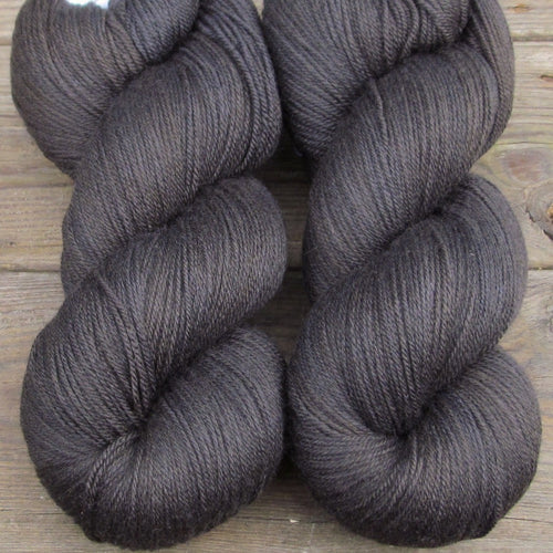 Ebony - Miss Babs Killington yarn