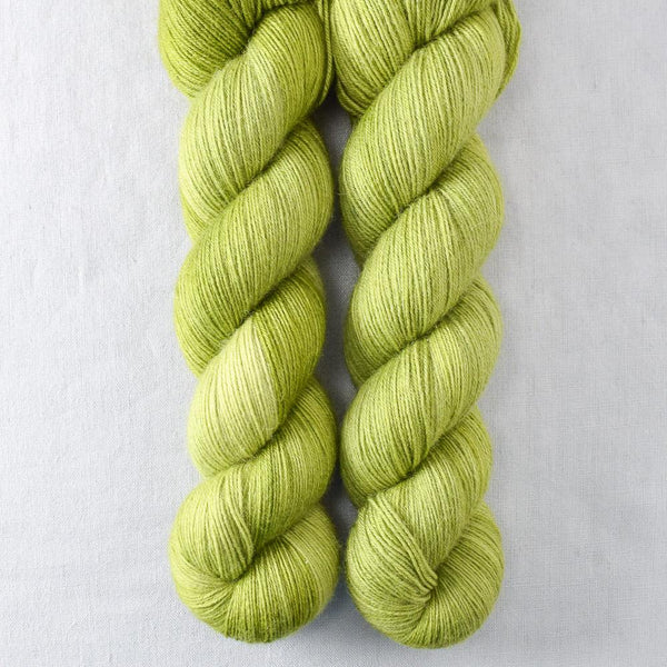 Feelin Froggy - Miss Babs Katahdin 600 yarn