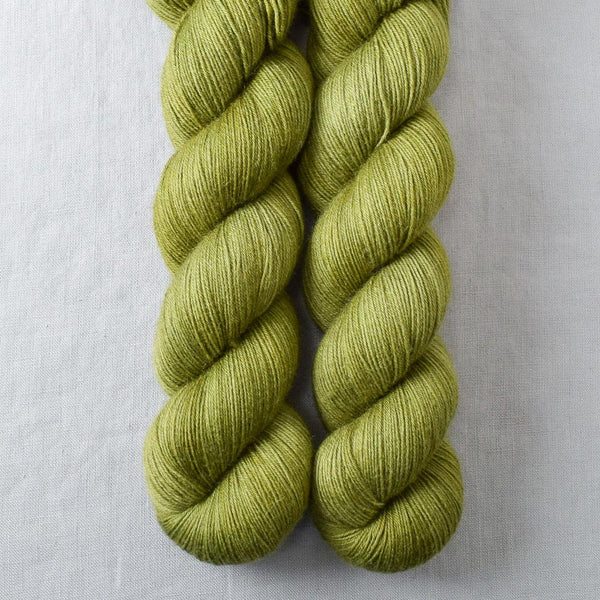 Fiddlehead - Miss Babs Katahdin 600 yarn