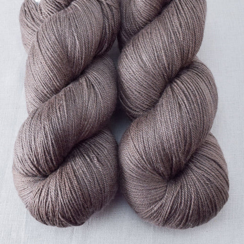 Field Mouse - Miss Babs Killington yarn