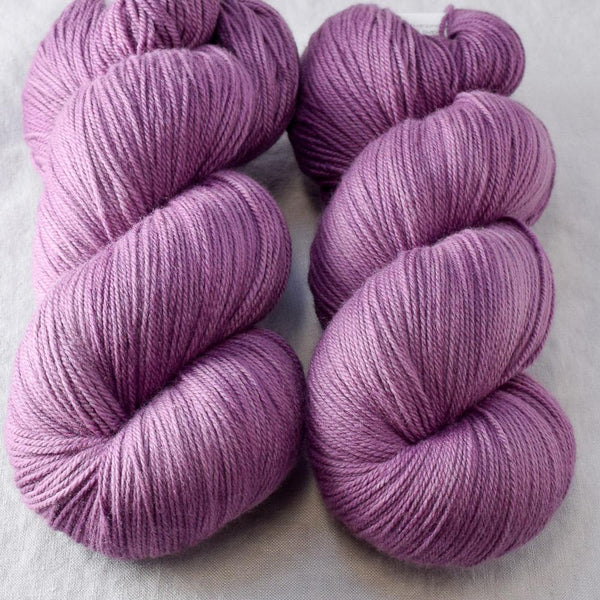 Fig - Miss Babs Killington yarn