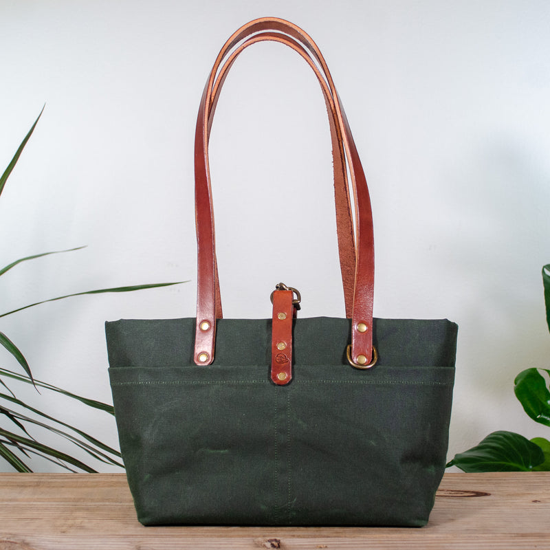 products/forestgreen-everywhere-1_c40e3d8a-f921-4e7d-b23b-72943d9aed54.jpg