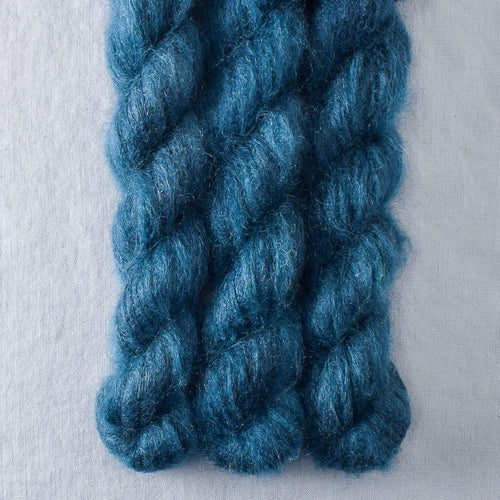 Franklin - Miss Babs Moonglow yarn
