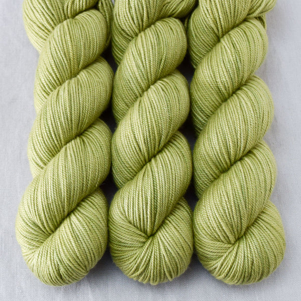 Fiddlehead - Miss Babs Kunlun yarn