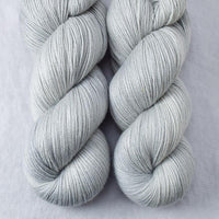 Frozen - Miss Babs Killington yarn