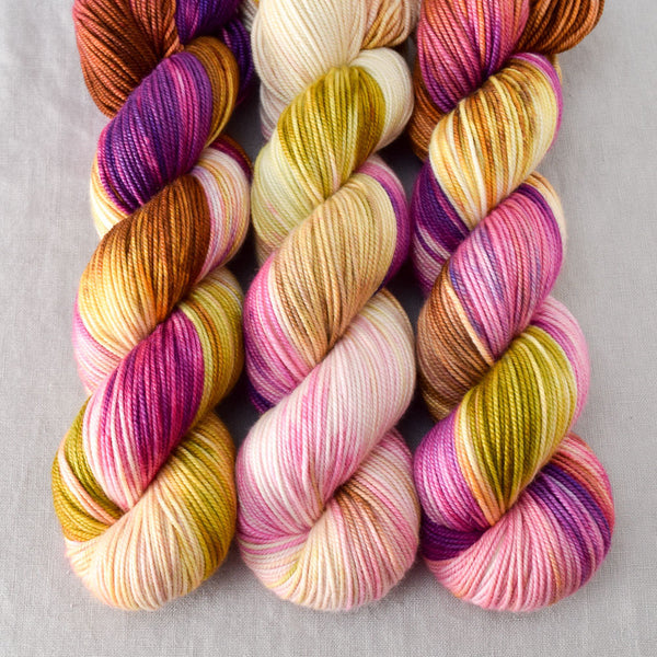 Garden Party - Miss Babs Kunlun yarn