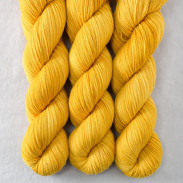 Goldenrod - Miss Babs Putnam yarn