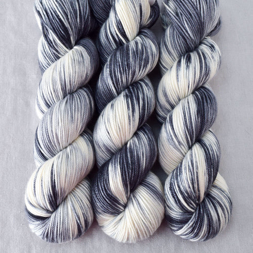 Graphic - Miss Babs Kunlun yarn