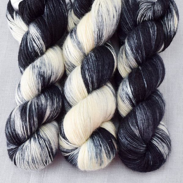 Graphic - Miss Babs Katahdin 437 yarn