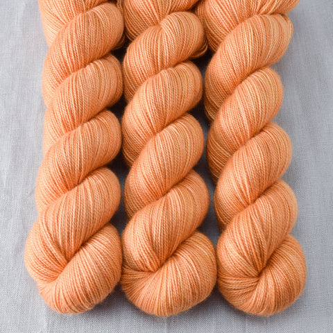 Helen of Troy - Miss Babs Yummy 2-Ply yarn