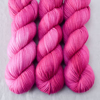 Hot to Trot - Miss Babs Kunlun yarn