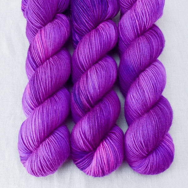 Impatiens - Miss Babs Yummy 3-Ply yarn