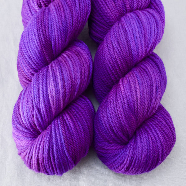 Impatiens - Miss Babs K2 yarn