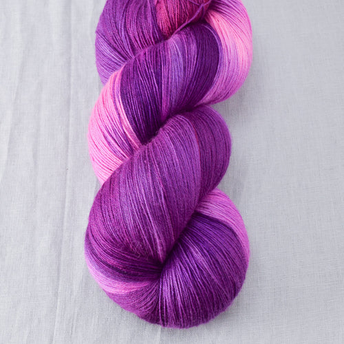 Impatiens - Miss Babs Katahdin yarn