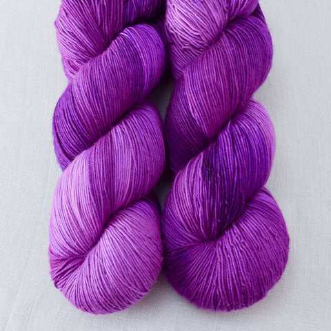 Impatiens - Miss Babs Keira yarn