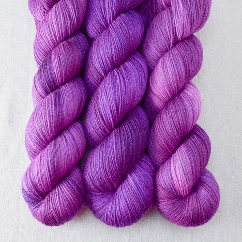 Impatiens - Miss Babs Tarte yarn