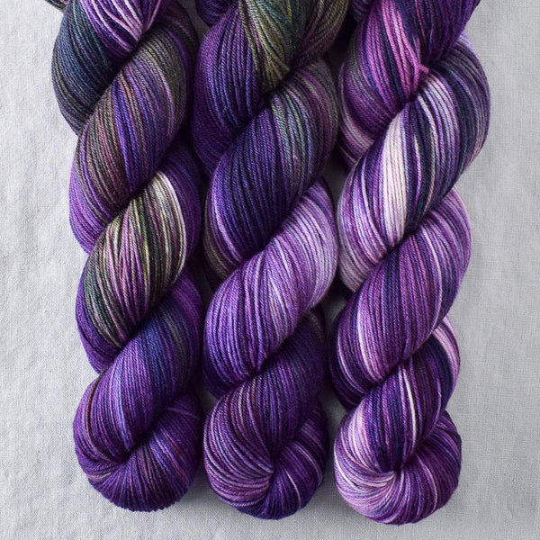 Irises - Miss Babs Putnam yarn