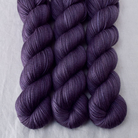 Isot - Miss Babs Yummy 2-Ply yarn
