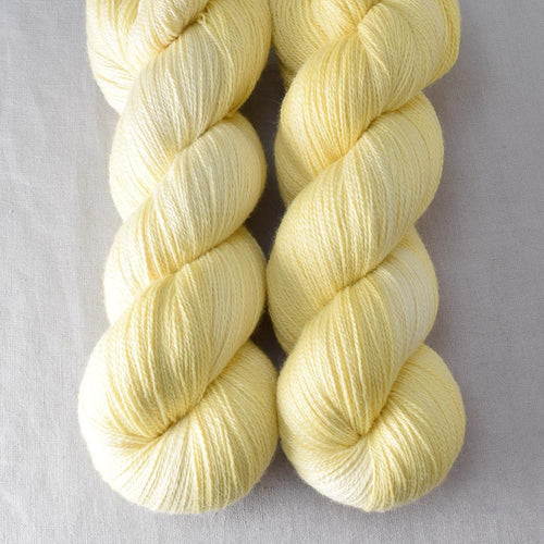 Jonquil - Miss Babs Yearning yarn
