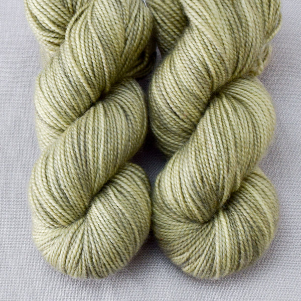 Jungfern - Miss Babs 2-Ply Toes yarn