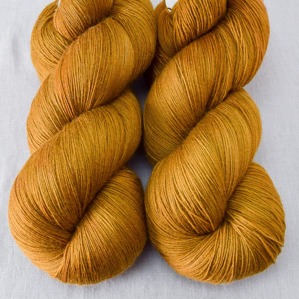 Old Gold - Miss Babs Katahdin yarn