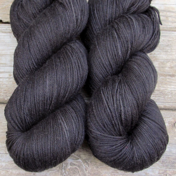Kennedia - Miss Babs Yowza yarn