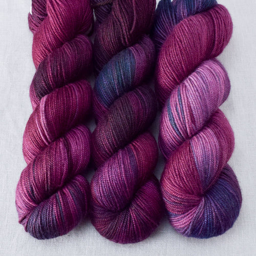 Dark Fury - Miss Babs Kunlun yarn