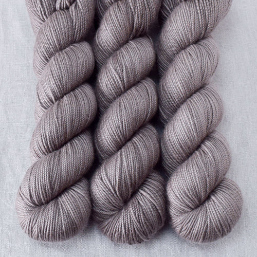 Field Mouse - Miss Babs Kunlun yarn