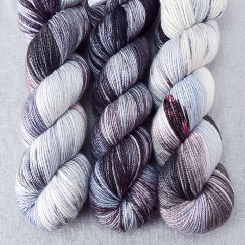 Morticia - Miss Babs Kunlun yarn