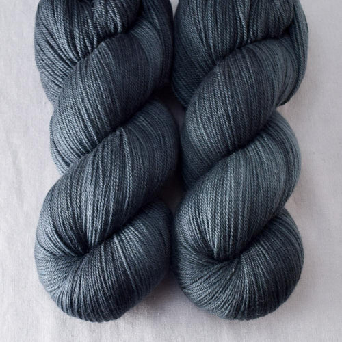 Lead - Miss Babs Killington yarn