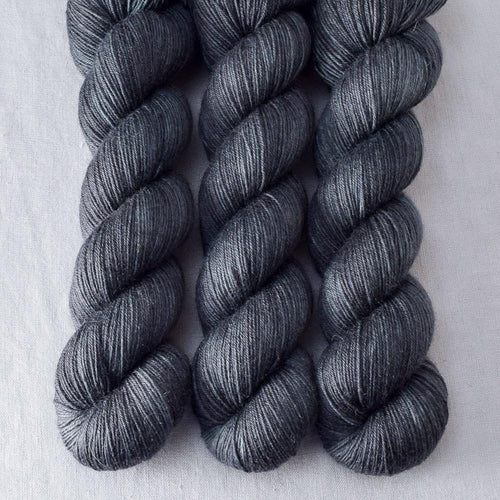 Lead - Miss Babs Katahdin 437 yarn