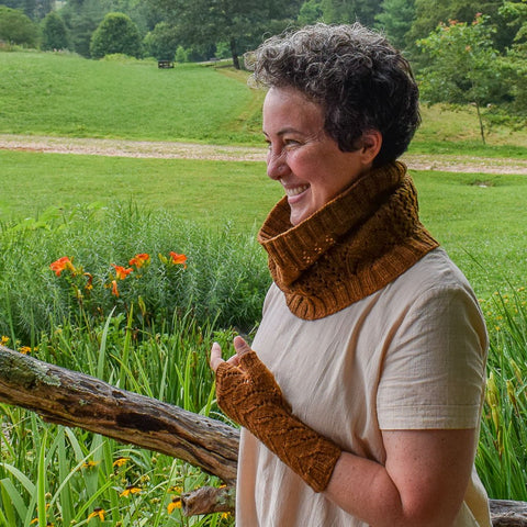 Leaf Chaser Cowl and Mitts - Miss Babs Project