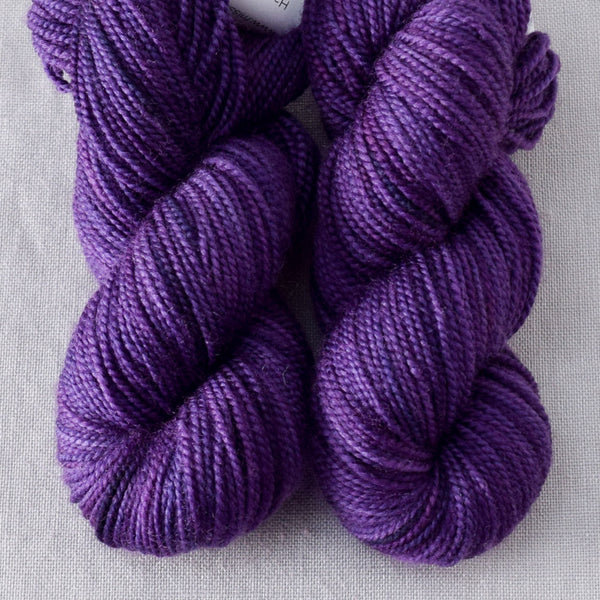 Lilacs - 2-Ply Toes