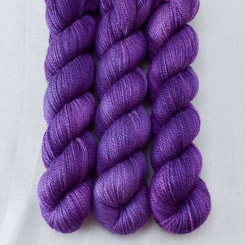 Lilacs - Miss Babs Yet yarn