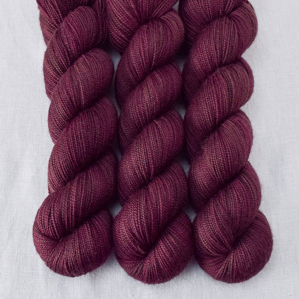 Mahogany - Miss Babs Yummy 2-Ply yarn