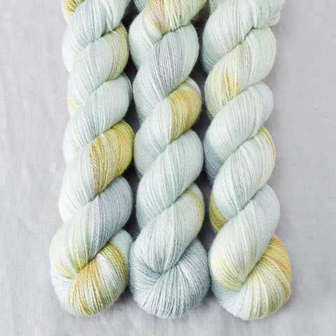 Mantis - Miss Babs Yet yarn
