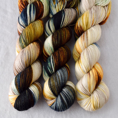 Meadow Brown - Miss Babs Yummy 2-Ply yarn