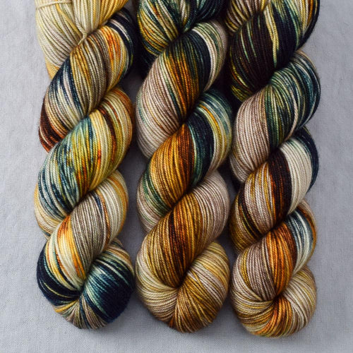 Meadow Brown - Miss Babs Yummy 3-Ply yarn