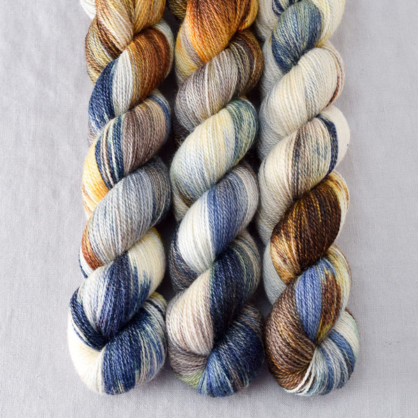Meadow Brown - Miss Babs Yet yarn