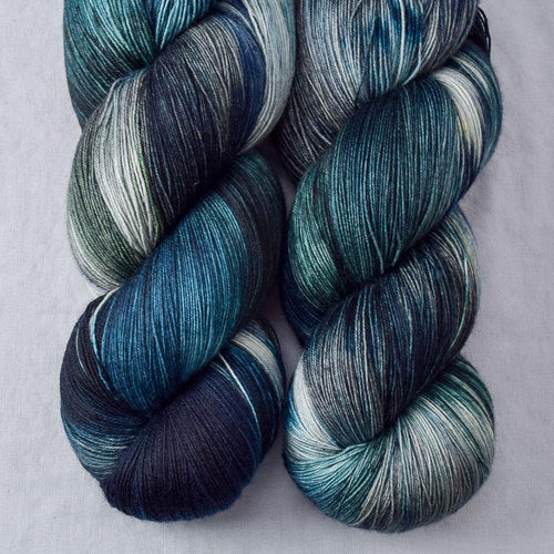 Moonlight Stroll - Miss Babs Katahdin yarn
