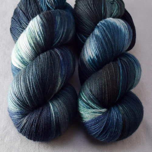 Moonlight Stroll - Miss Babs Killington yarn