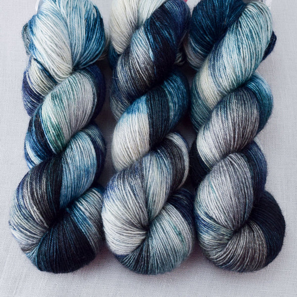 Moonlight Stroll - Miss Babs Katahdin 437 Yarn