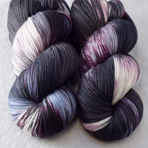 Morticia - Miss Babs Killington yarn