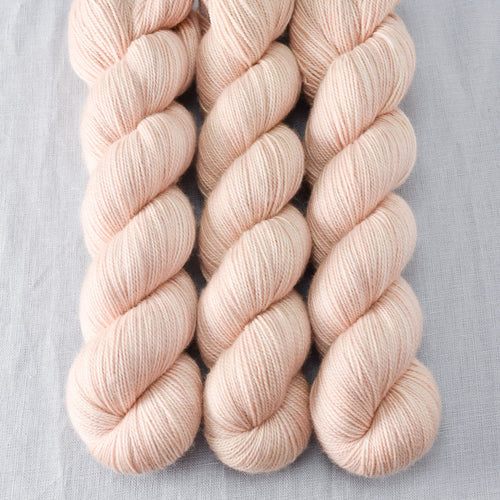 Muslin - Miss Babs Yummy 2-Ply yarn