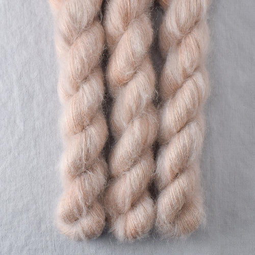 Muslin - Miss Babs Moonglow yarn