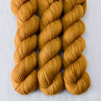 Old Gold - Miss Babs Yummy 2-Ply yarn