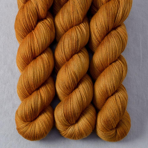 Old Gold - Miss Babs Dulcinea yarn
